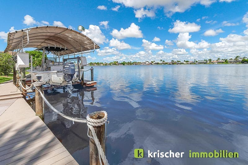 Krischer Immobiliensw-51st-terrace-cape-coral-print-001-24_dock
