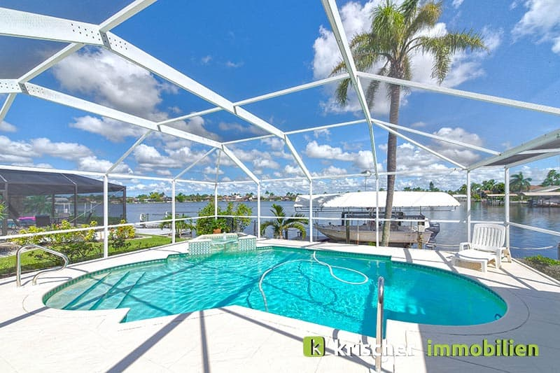 Krischer Immobiliensw-51st-terrace-cape-coral-print-001-24_pool
