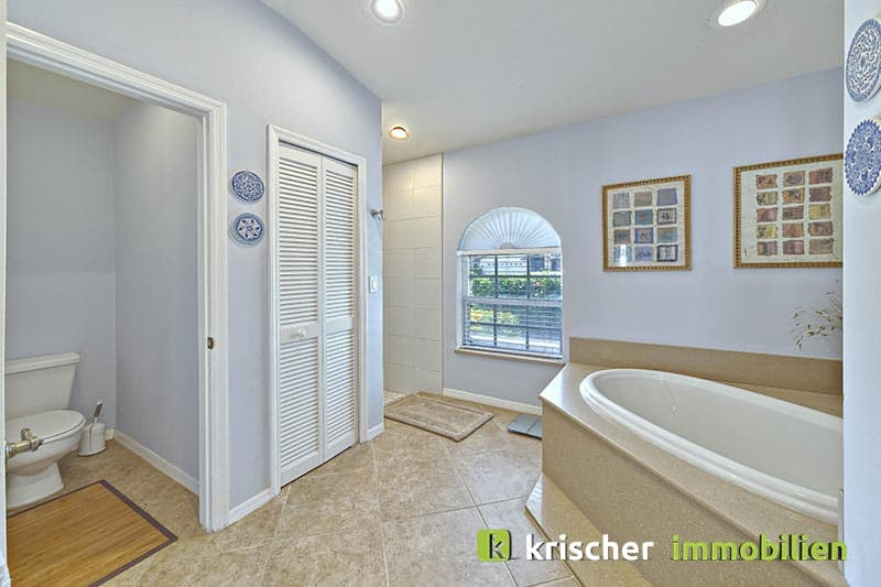 Krischer Immobiliensw-51st-terrace-cape-coral-print-001-24_bath