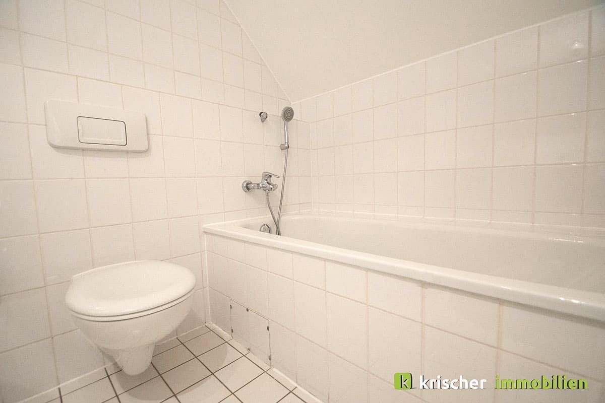 carlstadt_maisonette_badezimmer_wanne Krischer Immobilien