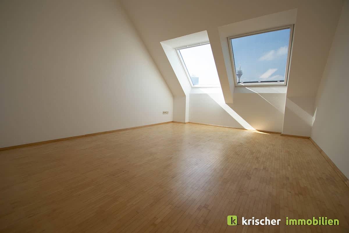 carlstadt_maisonette_schlafzimmer Krischer Immobilien
