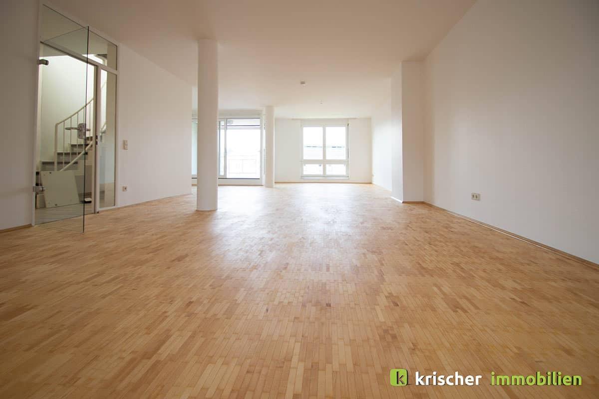 carlstadt_maisonette_wohnzimmer Krischer Immobilien
