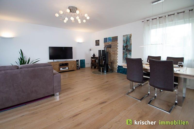 Ratingen Hösel Einfamilienhaus Krischer Immobilien Makler Ratingen Tiefenbroich